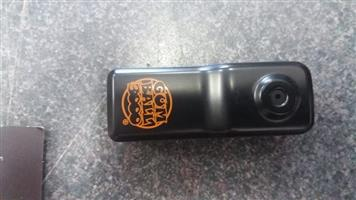 Camara Camcorder Gumball 3000  Special Edition Muvi Micro Camcorder  Features:  2mp Cmos Lens  Includes 2GB memory card  Built in battery  USB connection  Vox Mode Waterproof Case (up to 25m)  Universal Handlebar mount  In pristine working condition