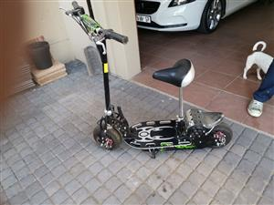 Cruza XR-500 - 500 Watt Electric Scooter
