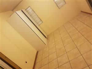 Room to rent in Central for only R2100
