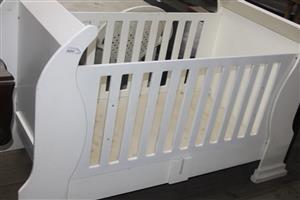 White baby wooden cot S036956A #Rosettenvillepawnshop