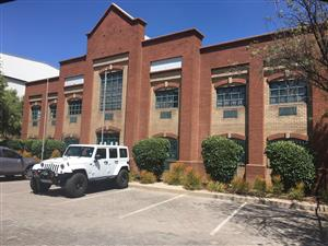 LARGE WAREHOUSE / FACTORY FOR SALE IN HIGHWAY BUSINESS PARK, CENTURION!