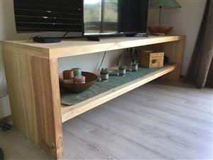 TV cabinet/Server