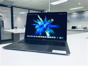 2018 Apple MacBook Air 13-inch 1.6GHz Dual-Core i5 (Retina, 128GB, Space Gray) - Demo