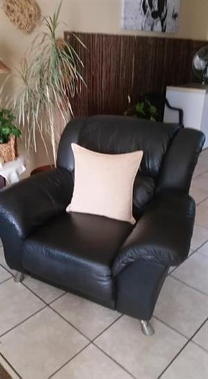 Six seater genuine leather uppers lounge suite