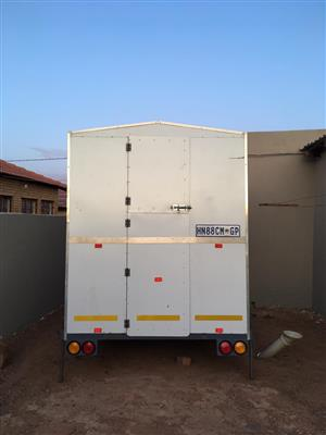 Fully equipt kitchen trailer for sale
