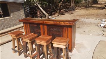 Bar met 4 stoele