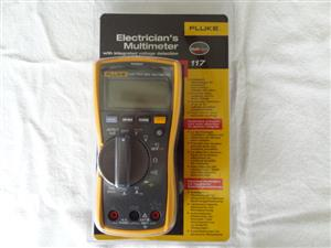Fluke 117 True Rms Multimeter Like New