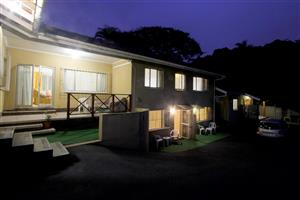 HOLIDAYMAKERS, Large Groups, Contractors - Budget, Clean Self Catering Holiday Accom in Durban North