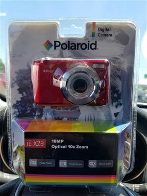 **STYLISH RED** Polaroid iE X29 Digital 18MP to sell or swop for cellphone