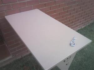 Conqueror Small Table