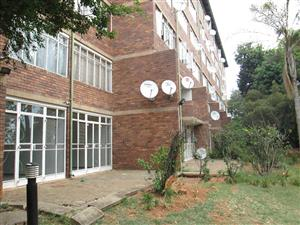 Silverton, flat for sale spacious ground floor one bedroom, one bathroom. R 470000
