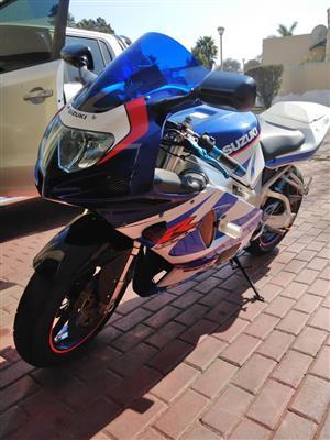 Suzuki GSXR750 For Sale in Gauteng | Junk Mail