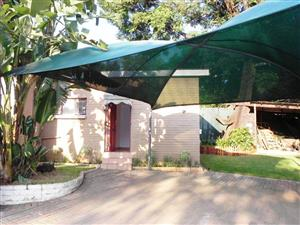 Neat garden cottage to rent in Meyerspark