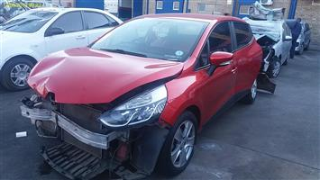 RENAULT CLIO IV CODE 2 Ready for Rebuild