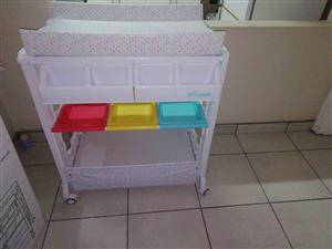 Baby bath stand with bath inside, excellent condition used 3 times.