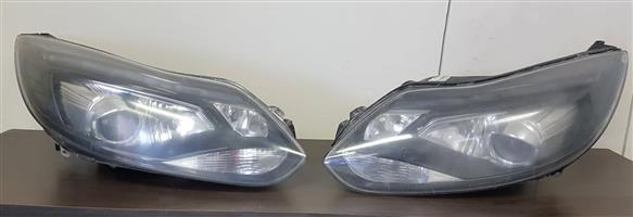 Ford Focus ST3 OEM Xenon headlights