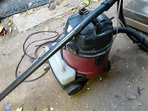 Conti wet and dry vacuum