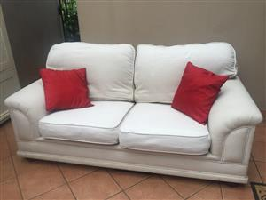 COUCH / SOFA. WETHERLYS 3 DIVISION SOFA / COUCH. WHITE