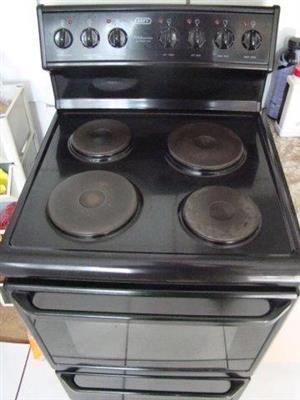 Defy 621 black stove