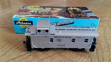 Milwaukee 01924 model train
