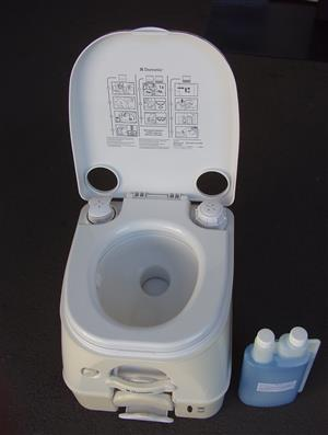 Dometic SeaLand  Portable Toilet - in excellent condition