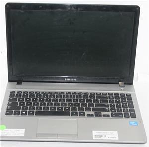 Samsung 300E laptop with charger p/w 15march 1966 S037784A #Rosettenvillepawnshop