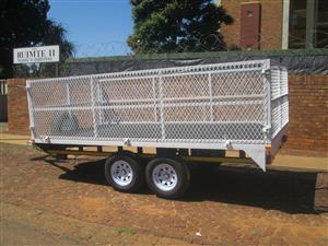 J. FURNITURE/FLAT DECK TRAILER. 2700kg,