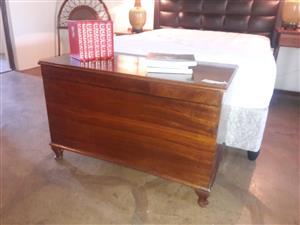 Wooden storage kist