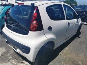 Peugeot 107 2008 stripping for spares