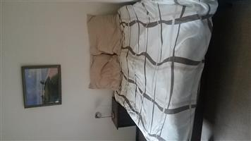 Bedroom to rent in a 2 bedroom 1 bathroom ground floor Parklands apartment