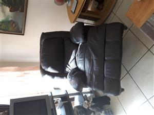 black leather lazyboy recliner for sale