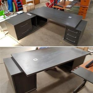 Large Executive Office Desk with drawers