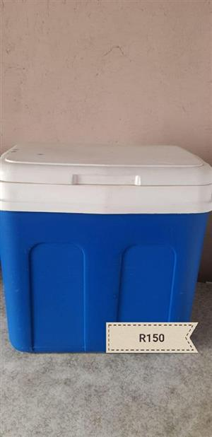 Blue coolerbox for sale