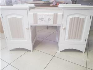 White dresser with 2 cabinets for sale