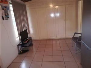 Gracious 1 bedroom apartment