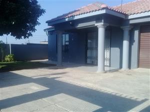 Luxury 3bedrom house for sale in Hammankraal Kanana Extension 1