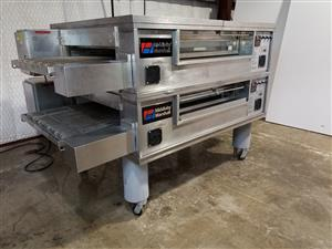 Middleby Marshall Double stack gas conveyor pizza ovens
