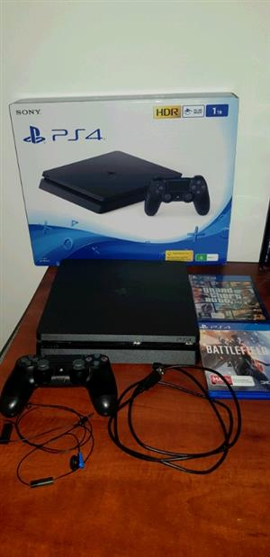 Sony PS4 Slim 1tb complete console 1 controler R4200