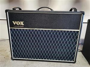 Vox VT120 guitar Amplifier excellent condition with foot controller