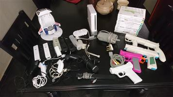 2nd hand nintendo wii with remotes, nunchucks, buzz lightyear charging doc and games for sale - reduced price! pretoria