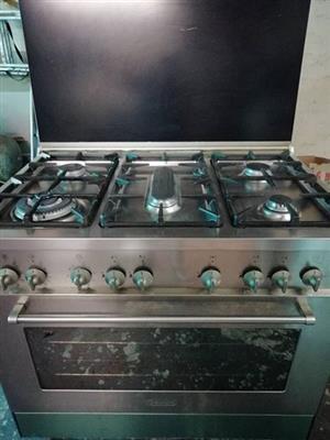 Delongi stove