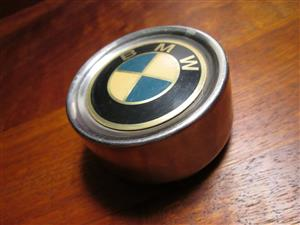 1x BMW metal wheel cap, older/classic models, 55-60 mm diameter, used