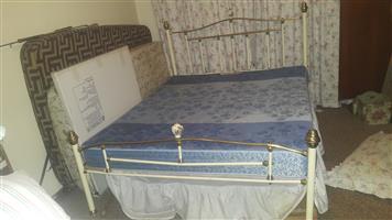 Copper bed queen size