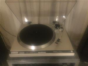 Turntables for sale