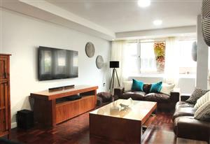 Secure living on the Atlantic Seaboard 3 minutes to Sea Point beach front and promenade
