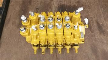 CAT TLB Valve Banks for Sale - Rear sections for 428B, 428C and 424D