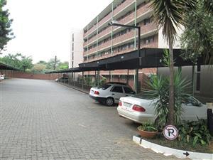 Silverton. Flat for sale R400 000. Ground floor, one bedroom one bathroom.