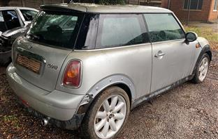 Mini Cooper 1.6 R56 stripping for spares