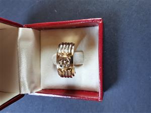 18ct Gold Diamond Ring For Sale