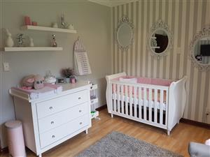 Baby Furniture/Baba Meubels